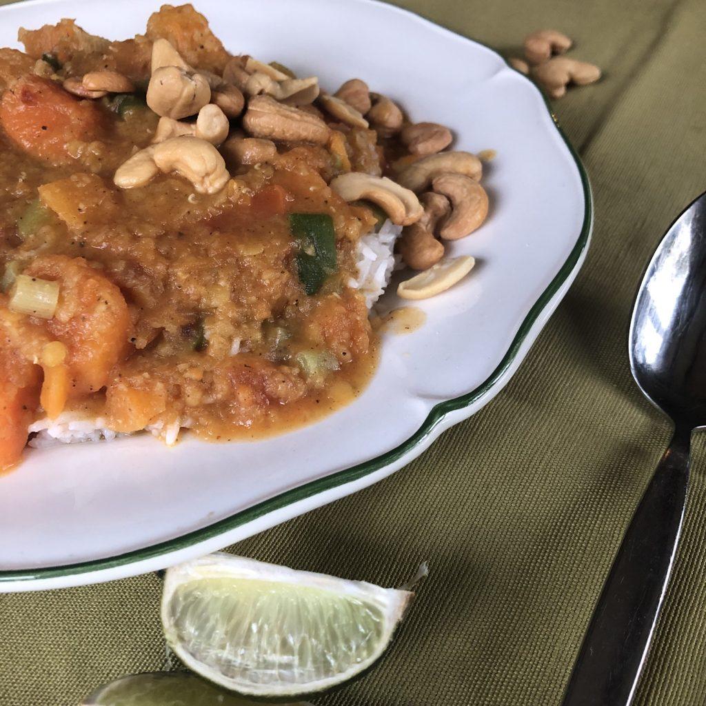 Harissa-pompoencurry met linzen
